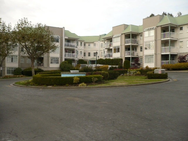 303 9763 140TH STREET - Whalley Apartment/Condo for sale, 2 Bedrooms (R2219761) #2